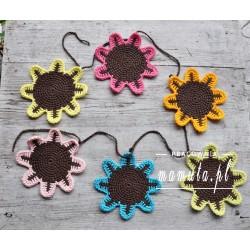 Girlanda- szydełkowe kwiaty