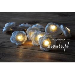 Girlanda świetlna- szydełkowe różyczki 10szt