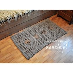 Szydełkowy dywanik ze sznurka